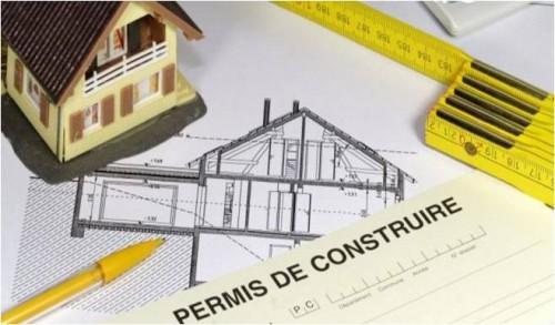 PERMIS CONSTRUIRE – VALIDITE – AFFICHAGE -RECOURS